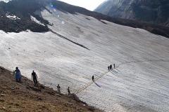 путь в кратер вулкана Мутновский