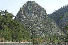 Гора-крепость в конце маршрута