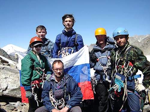 Фотоальбом о горном походе по Кавказу (перевал Кель - перевал Цаннер Верхний – перевал МВТУ – перевал Столбовой – перевал Тютюргу Западный –перевал Голубева –перевал Гумачи),  2005