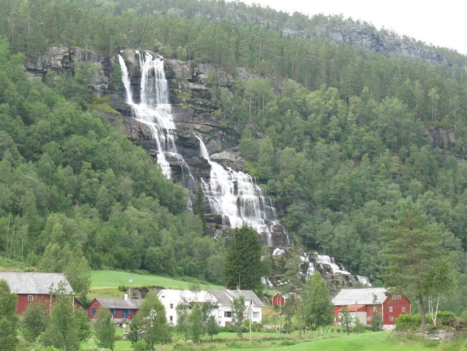 Водопад в Voss