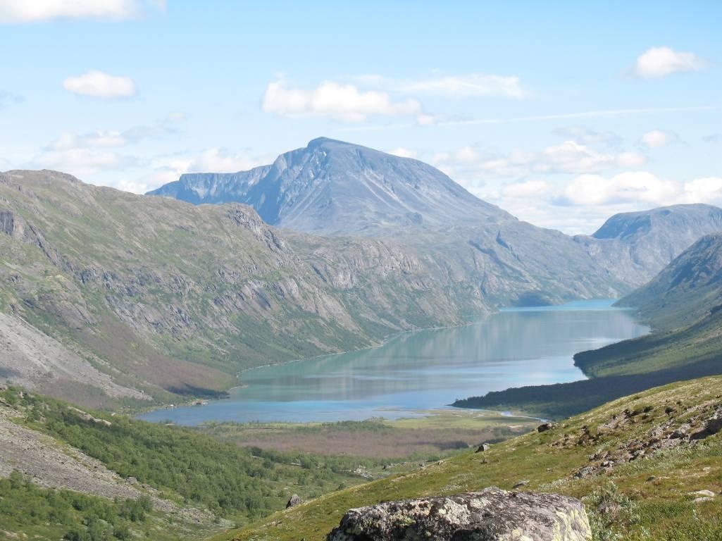 Вид на озеро Gjende.