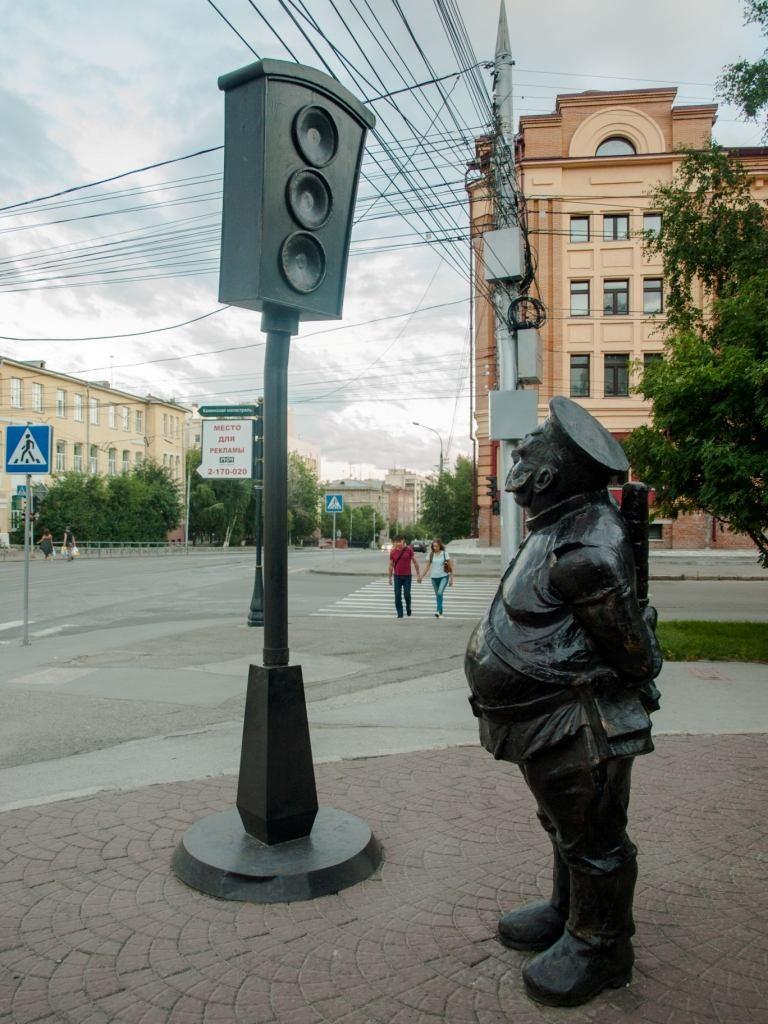 Фото 73 – Новосибирск, памятник Городовому