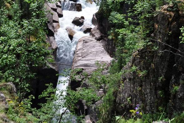 Фото 91. Препятствие 54 (водопад 15 метров).