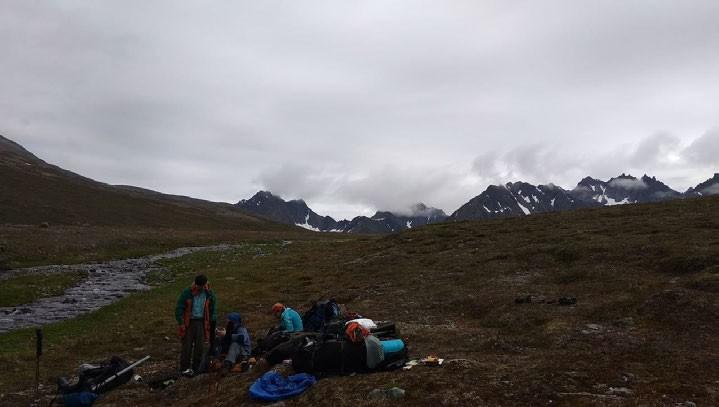 ФОТО. Взгляд назад, на перевал, за которым остались Олюторские (Ледниковые) горы.