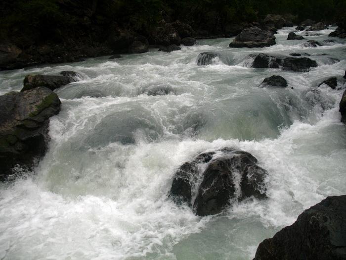 Фото 10. р.Тентек, пор.Редутный (пр.30), водопадный слив.