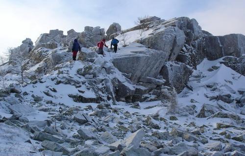 Подъём на южную вершину горы Ицыл.