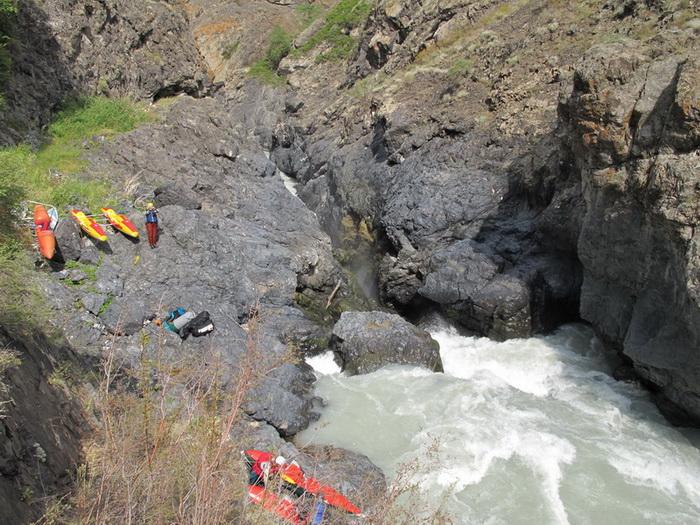 Фото 28. р.Тентек, 4й каньон, водопад.
