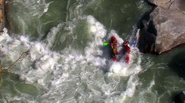 (фото 41) Котел через всю реку в ущелье «White Water MF»