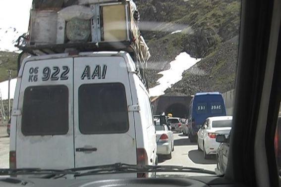 Фото 1. Туннель в Сусамырскую долину