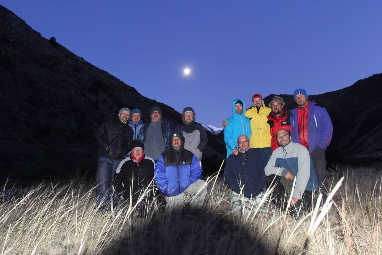 Фото 68. Группа после прохождения порога «Лестница»