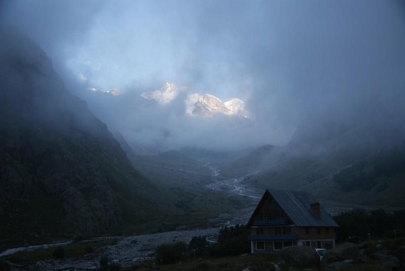 Непогода в горах, непогода…