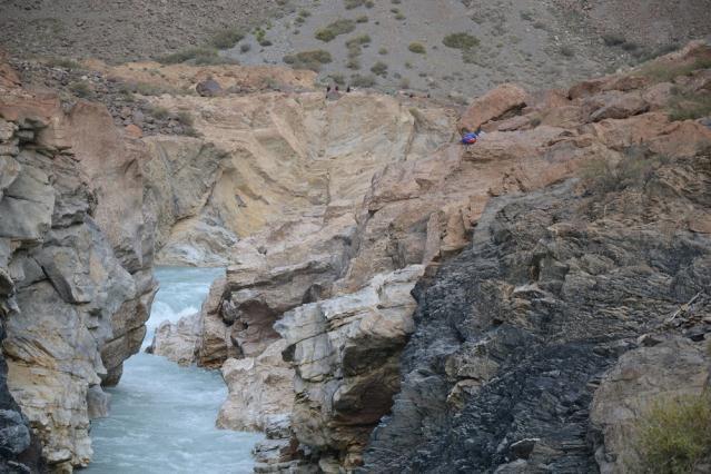 Вид на лагерь от второй щели