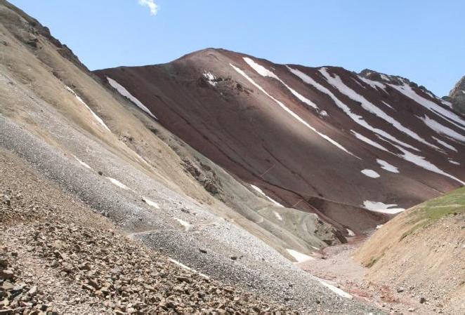 Вид на перевал Путешественников с севера