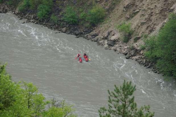 Фото 39 К1 в ущелье у пос.Алпана.(уровень воды высокий)