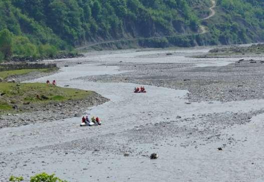 Фото 74 Участок разбоев реки сразу за плотиной.